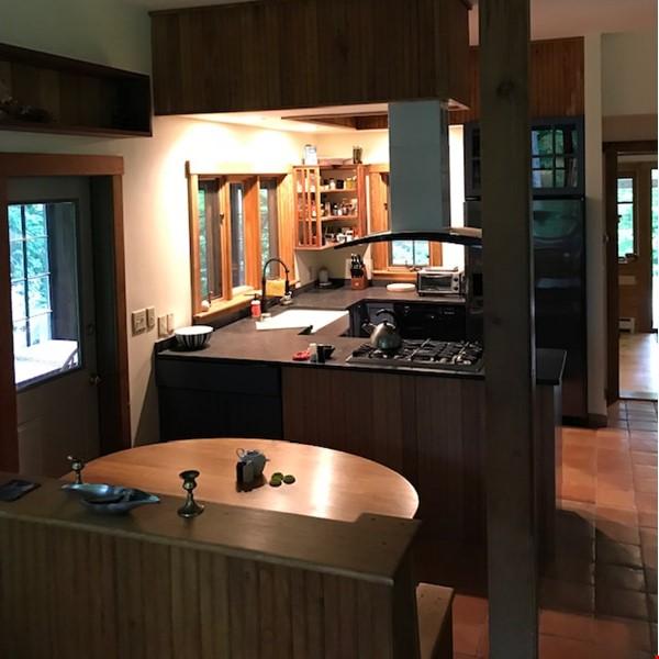 Beautiful, Cozy Vermont Home Home Rental in Starksboro 3 - thumbnail