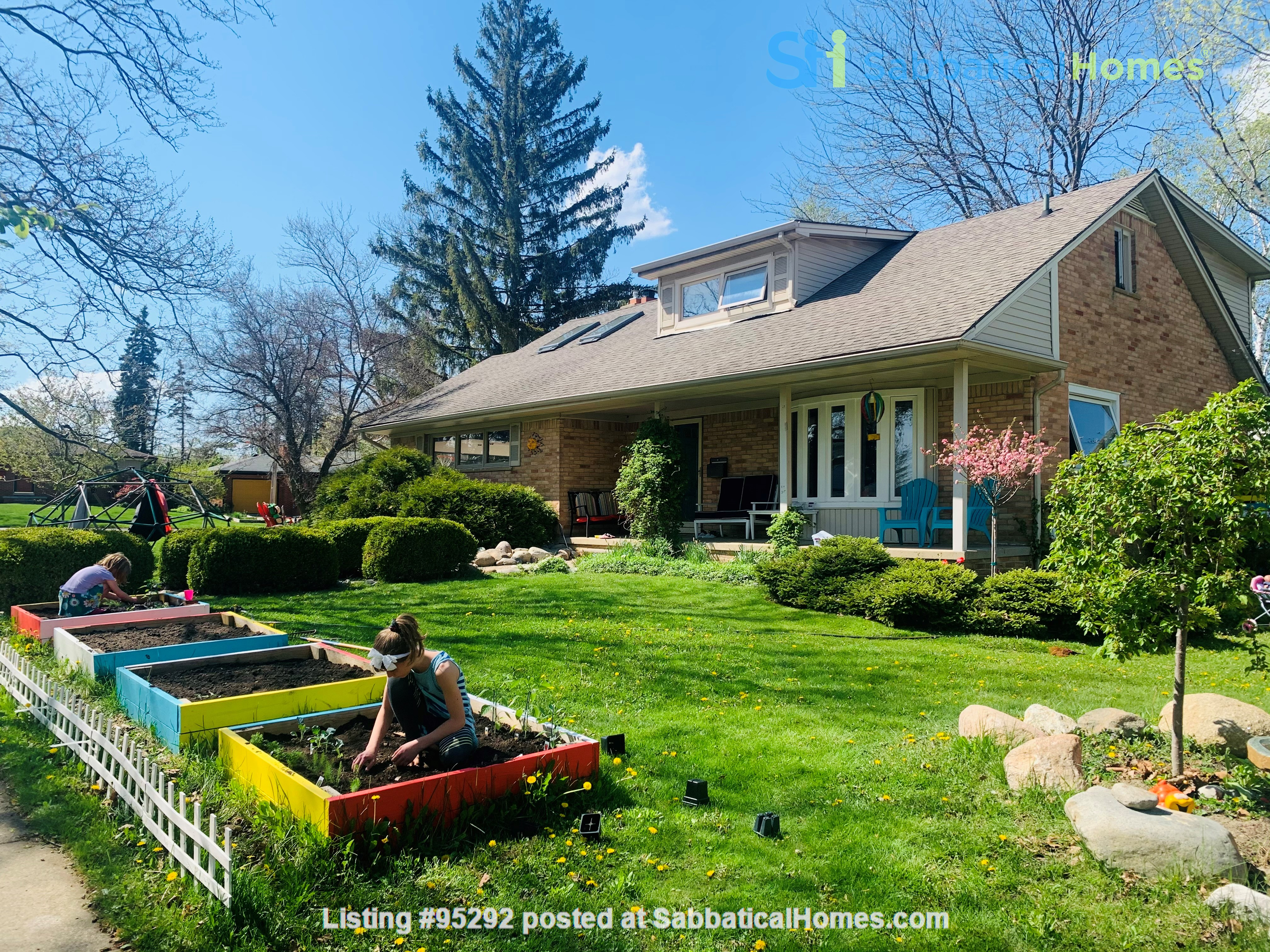 Beautiful Family House on the West Side 10-12 months (Aug 2021 - Aug 2022) Home Rental in Ann Arbor, Michigan, United States 0