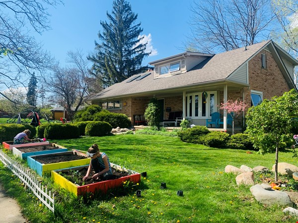 Beautiful Family House on the West Side 10-12 months (Aug 2021 - Aug 2022) Home Rental in Ann Arbor 0 - thumbnail