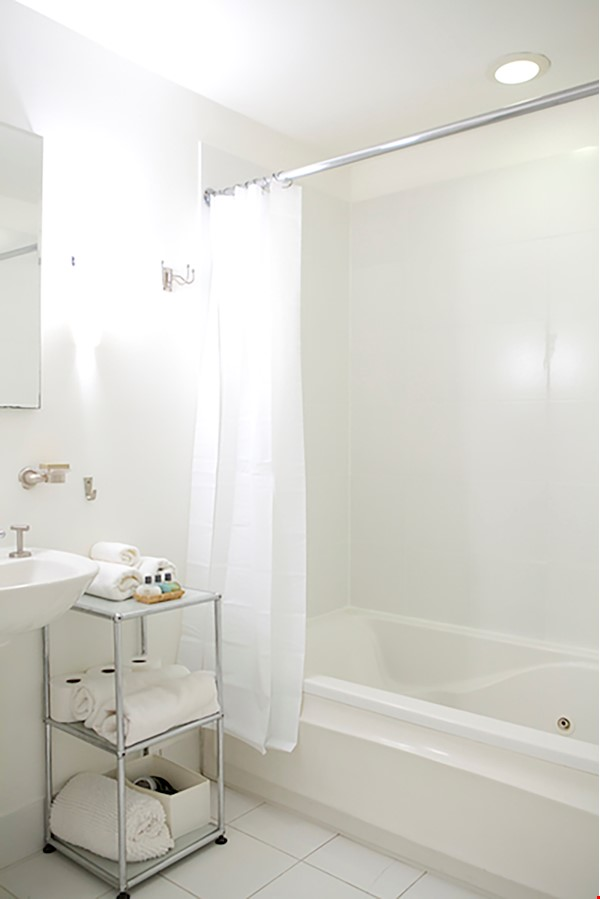 Garden Apartment in Harlem, minutes from Columbia Home Rental in New York 9 - thumbnail