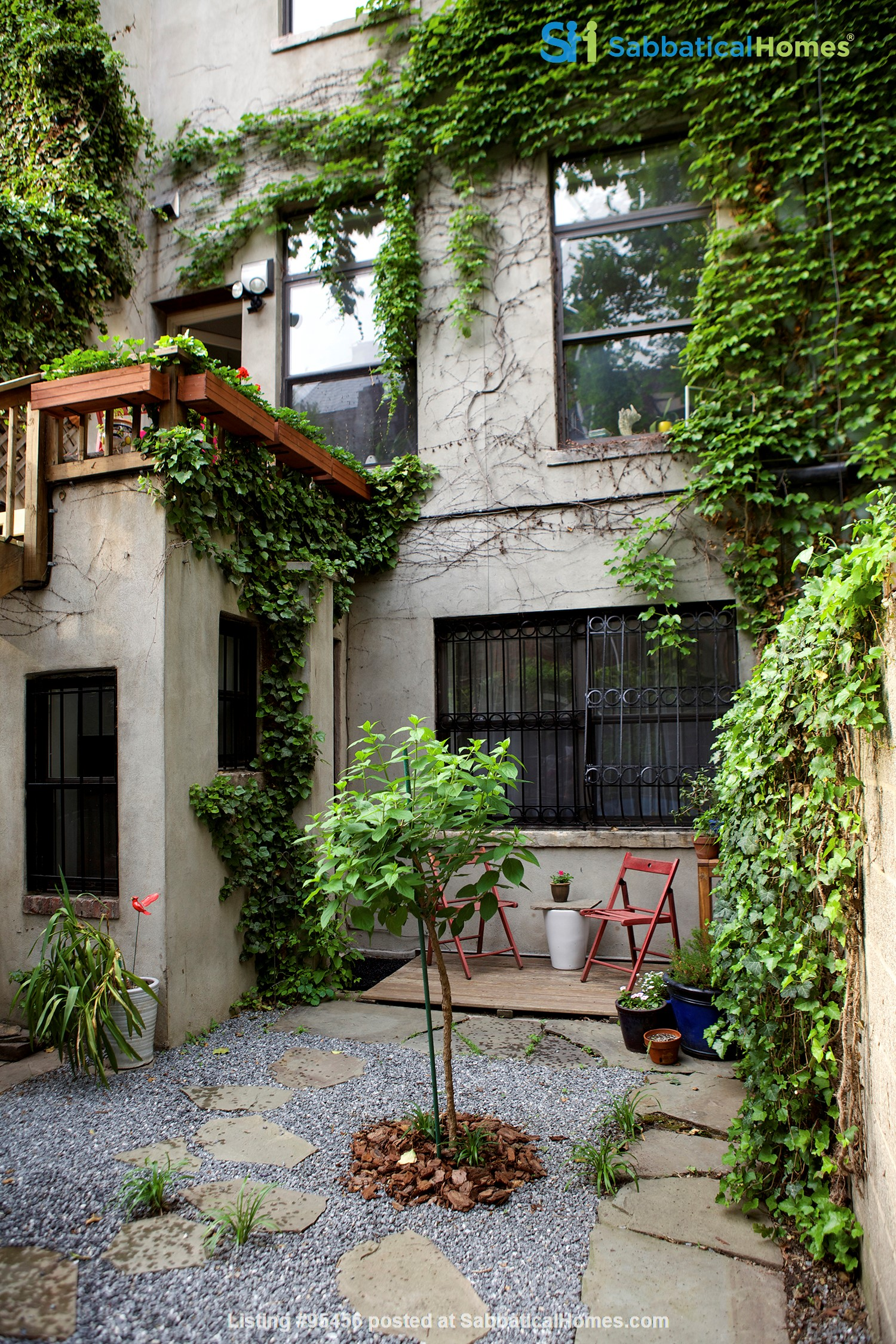 Garden Apartment in Harlem, minutes from Columbia Home Rental in New York, New York, United States 7