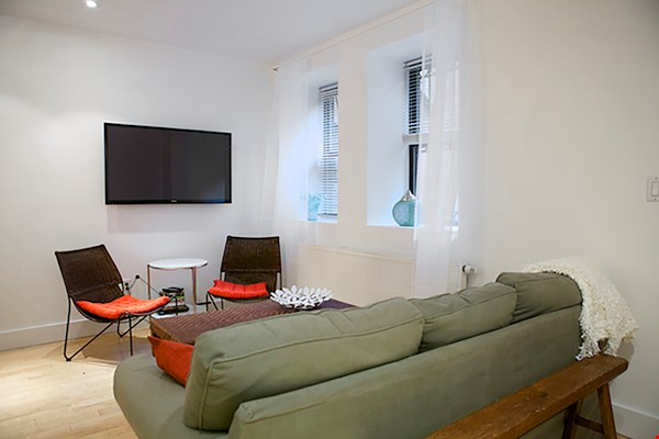 Garden Apartment in Harlem, minutes from Columbia Home Rental in New York 5 - thumbnail