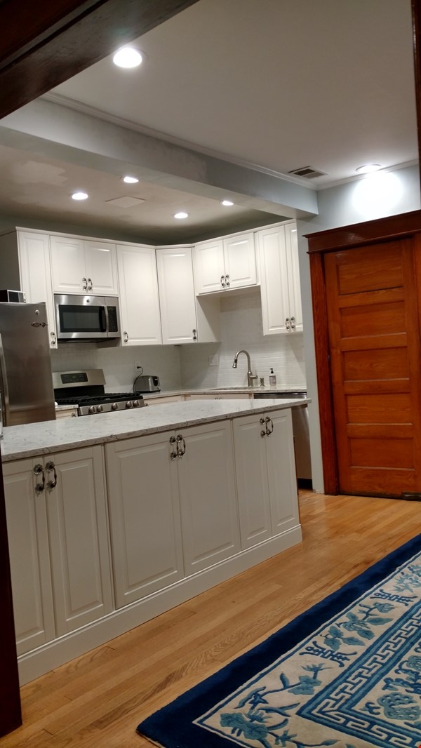 End Unit Rowhouse with large yard in Capitol South Home Rental in Washington 0 - thumbnail