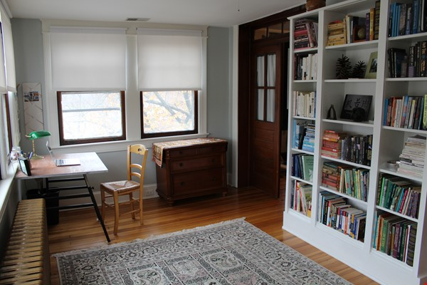 End Unit Rowhouse with large yard in Capitol South Home Rental in Washington 1 - thumbnail