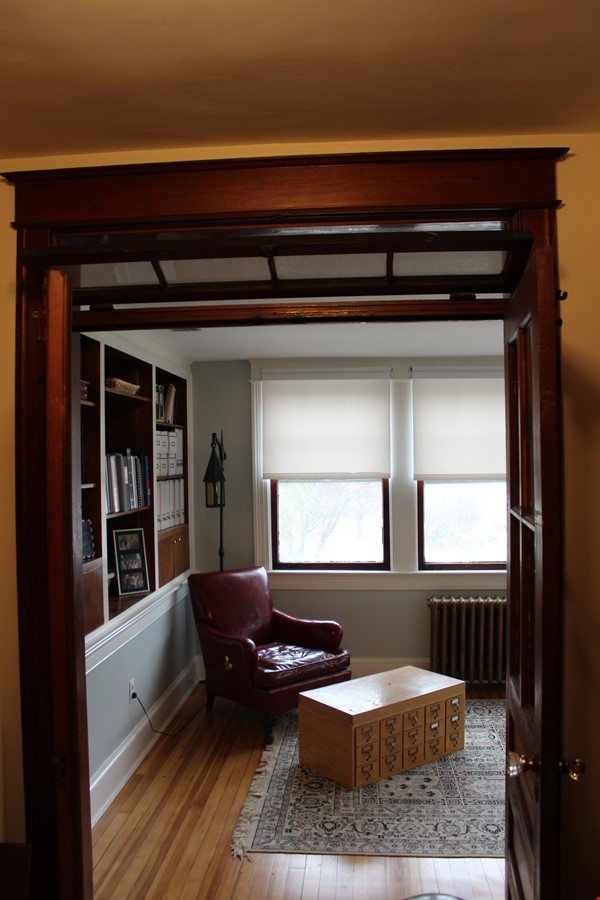 End Unit Rowhouse with large yard in Capitol South Home Rental in Washington 2 - thumbnail