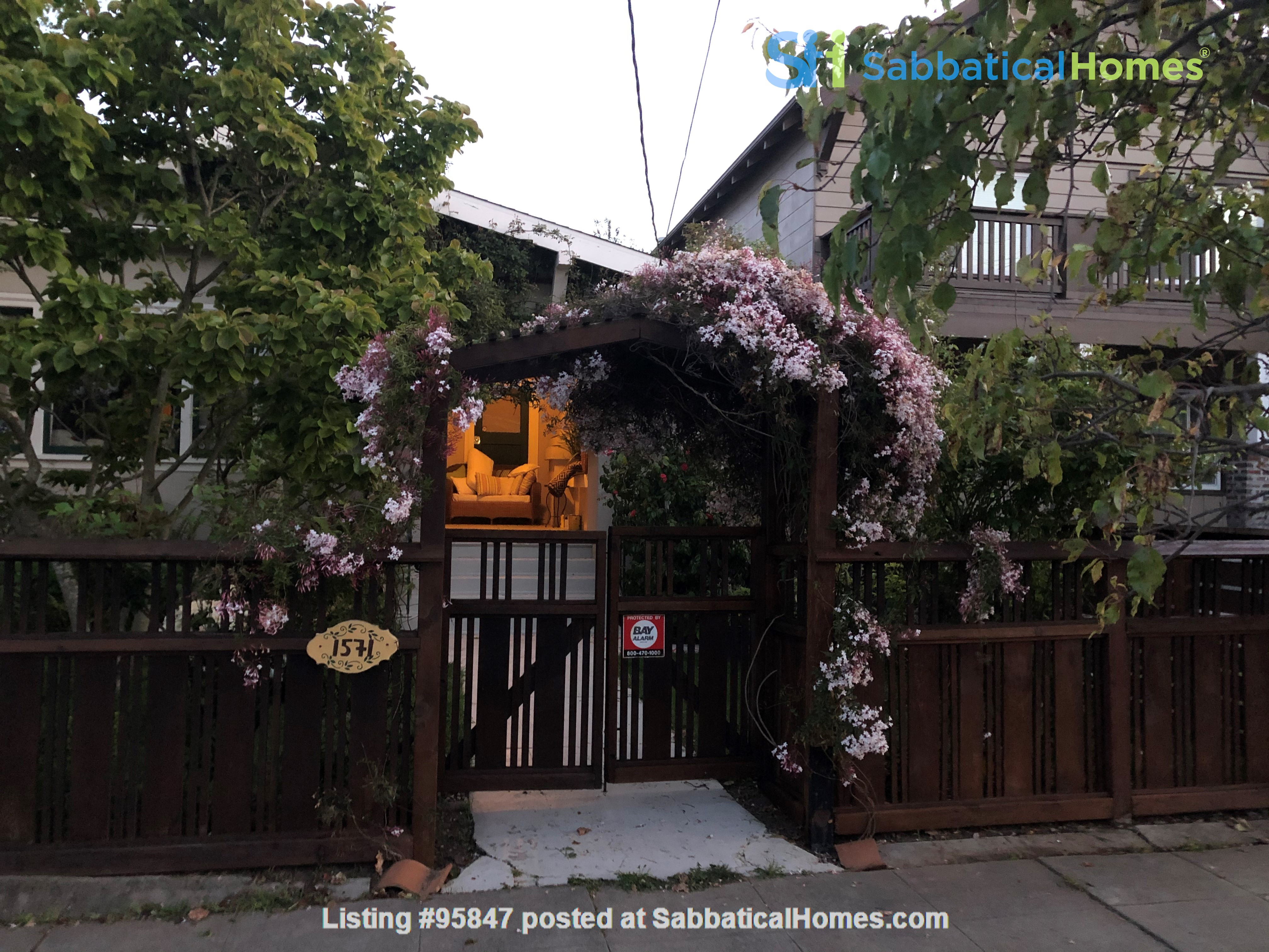 Craftsman Home Home Rental in Oakland, California, United States 8