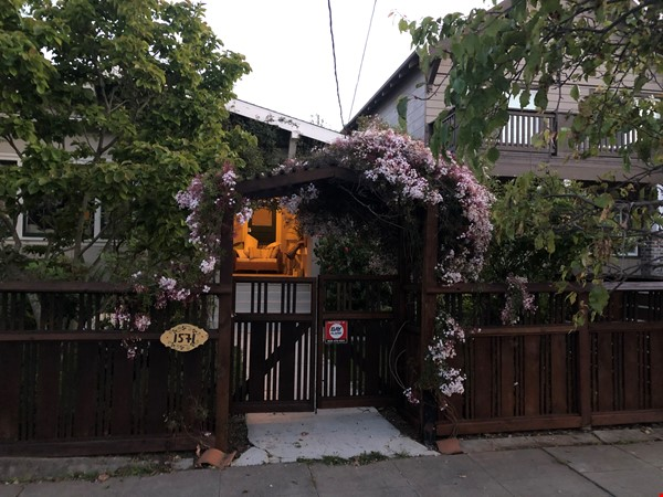 Craftsman Home Home Rental in Oakland 8 - thumbnail