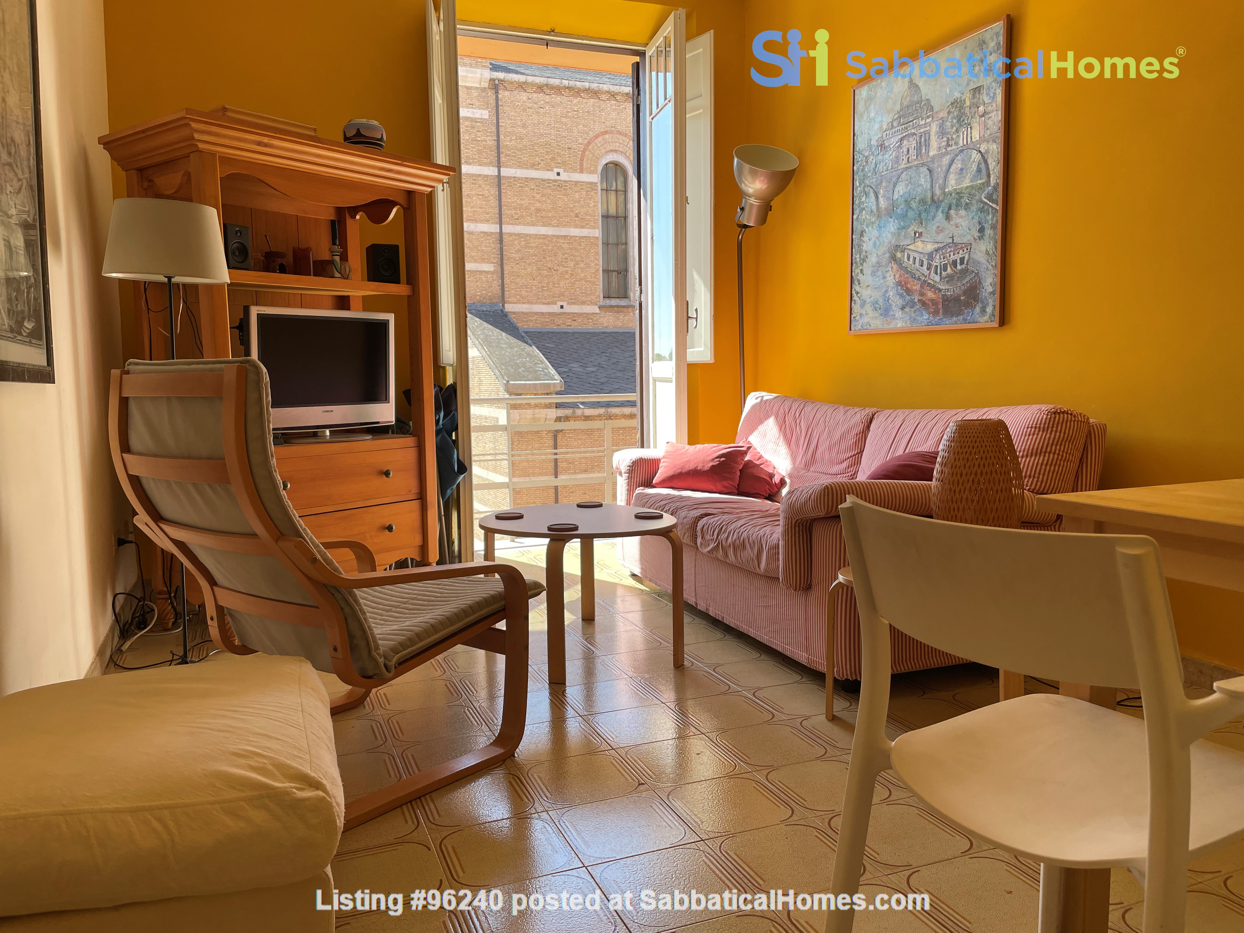 Colors of Testaccio, well-lit and terraced apartment in Rome Home Rental in Rome, Lazio, Italy 1