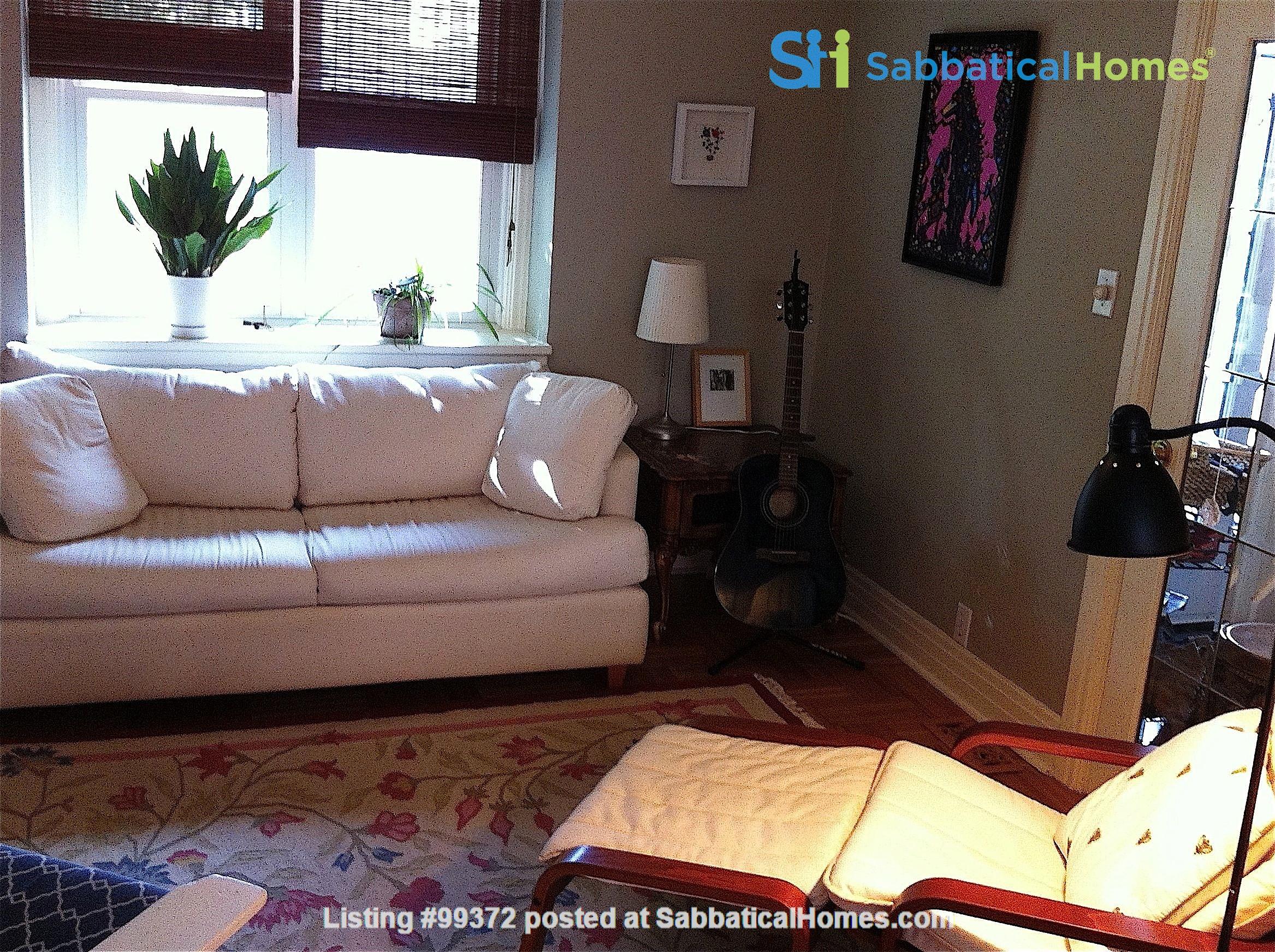 Lovely 2BR + Den House in Vibrant Corso Italia Home Rental in Toronto 4