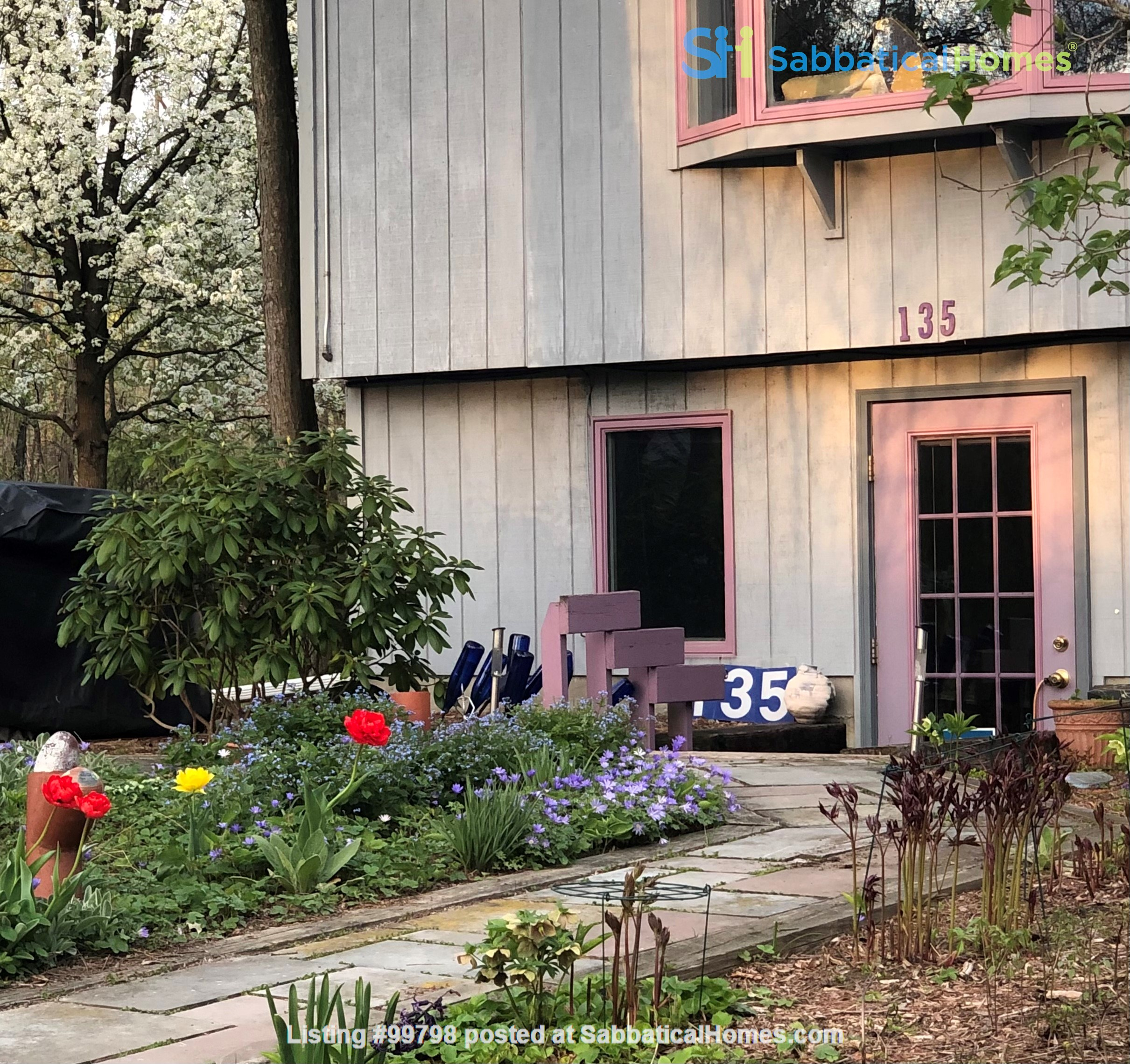 Fully furn. with fireplace, 1 BR apt., all utilities included, wifi, garden, patio, parking, firepit, near CU & shopping, on bus line, NO PETS, NO SMOKING Home Rental in Ithaca 9