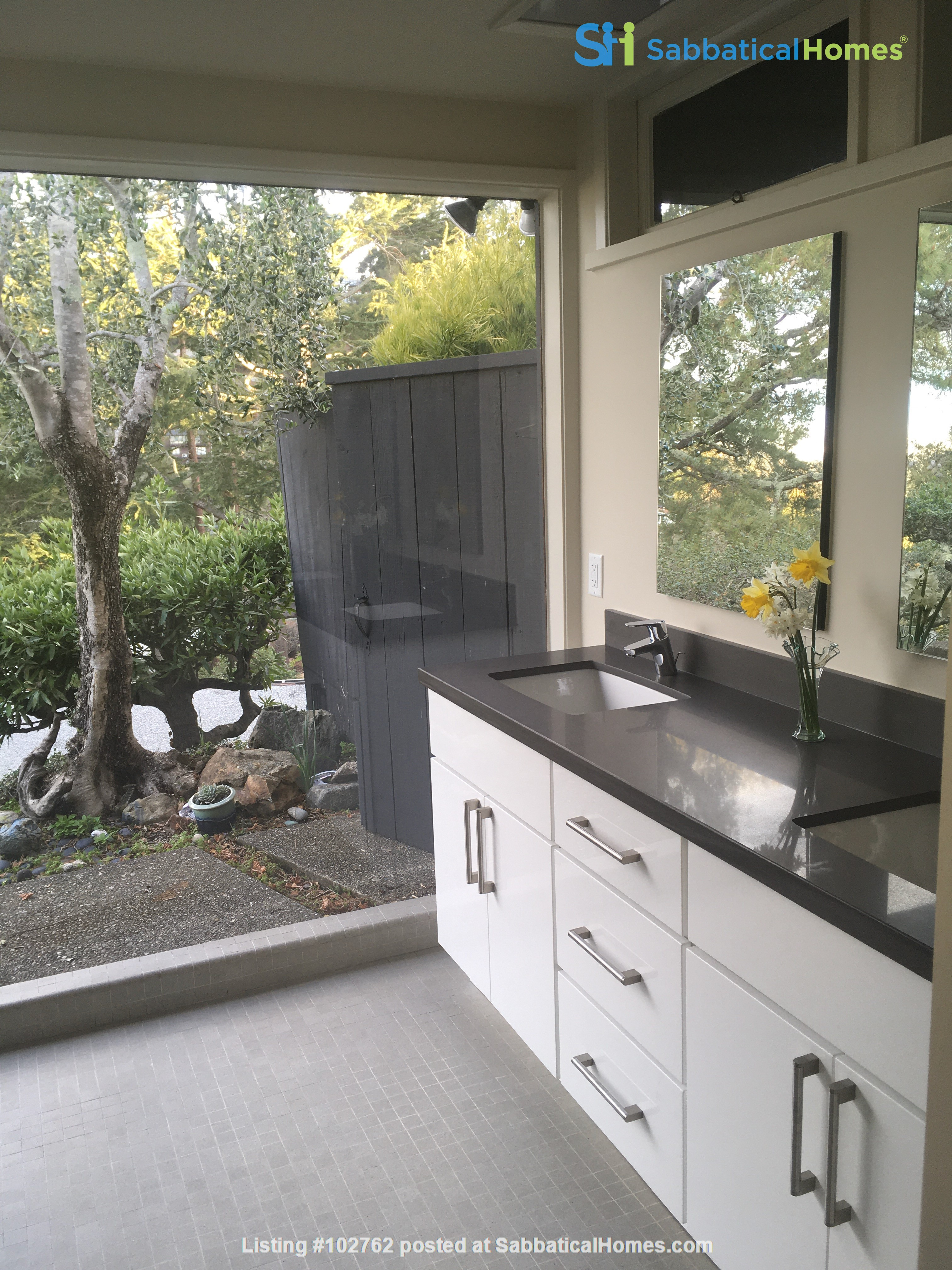 Master suite in  Berkeley Hills Home: Separate Private Entrance Home Rental in Berkeley, California, United States 6