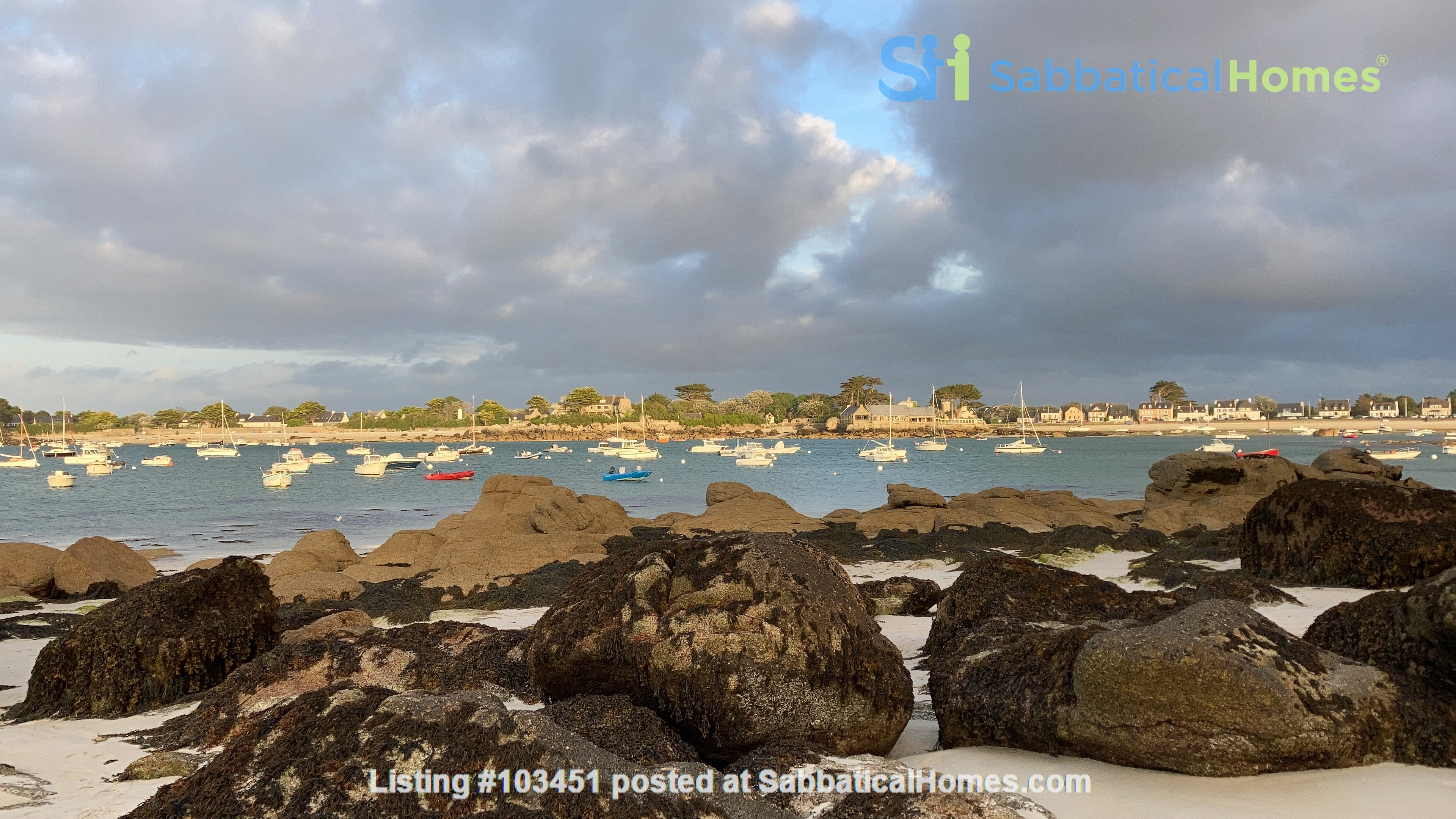 Brittany small holiday house by the sea Home Rental in Brignogan-Plage, Bretagne, France 0