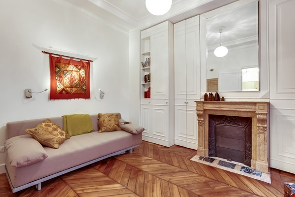 2 bdrm. renovated, 6E, 4 people, first floor, very quiet. Home Rental in Paris 9 - thumbnail