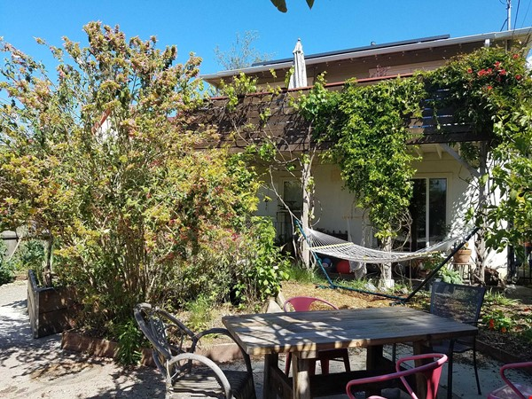Private, Furnished 2 BR/1.5 BA Garden Apartment available for 1-2 years Home Rental in Berkeley 9 - thumbnail