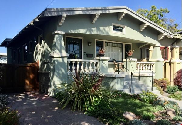Sunny 1920s Bungalow in Oakland's Rockridge Neighborhood Home Rental in Oakland 0 - thumbnail