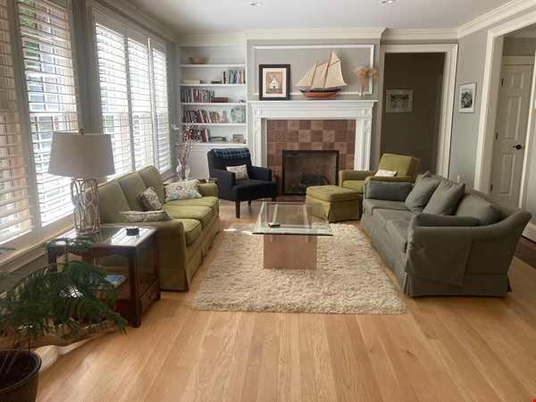 Beautiful home near William & Mary College and Colonial Williamsburg Home Rental in Williamsburg 2 - thumbnail