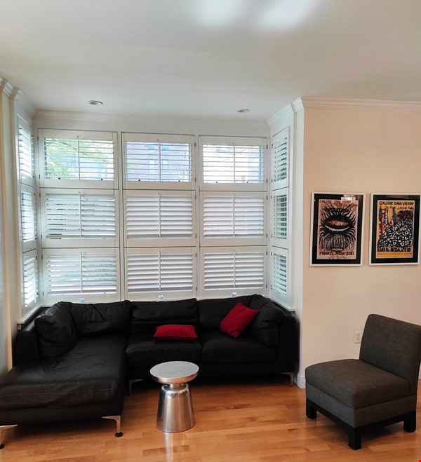 Beautiful Summer Rental 2 bedrms 3 baths + study + deck.  Cleaning included Home Rental in Cambridge 9 - thumbnail