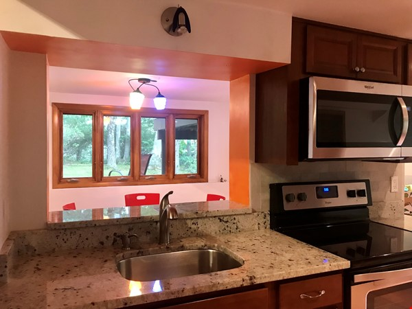 Newly furn &built 2 BR 1025 sq ft apt w/utlts in lux home in Winchester, Ma Home Rental in Winchester 3 - thumbnail