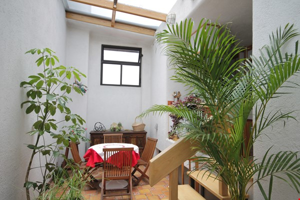 BEAUTIFULLY UNIQUE, LIGHT-FILLED 2 BD/2 BA IN ROMA NEIGHBORHOOD Home Rental in México D.F. 3 - thumbnail