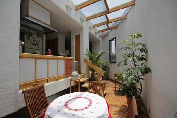 BEAUTIFULLY UNIQUE, LIGHT-FILLED 2 BD/2 BA IN ROMA NEIGHBORHOOD Home Rental in México D.F. 1 - thumbnail
