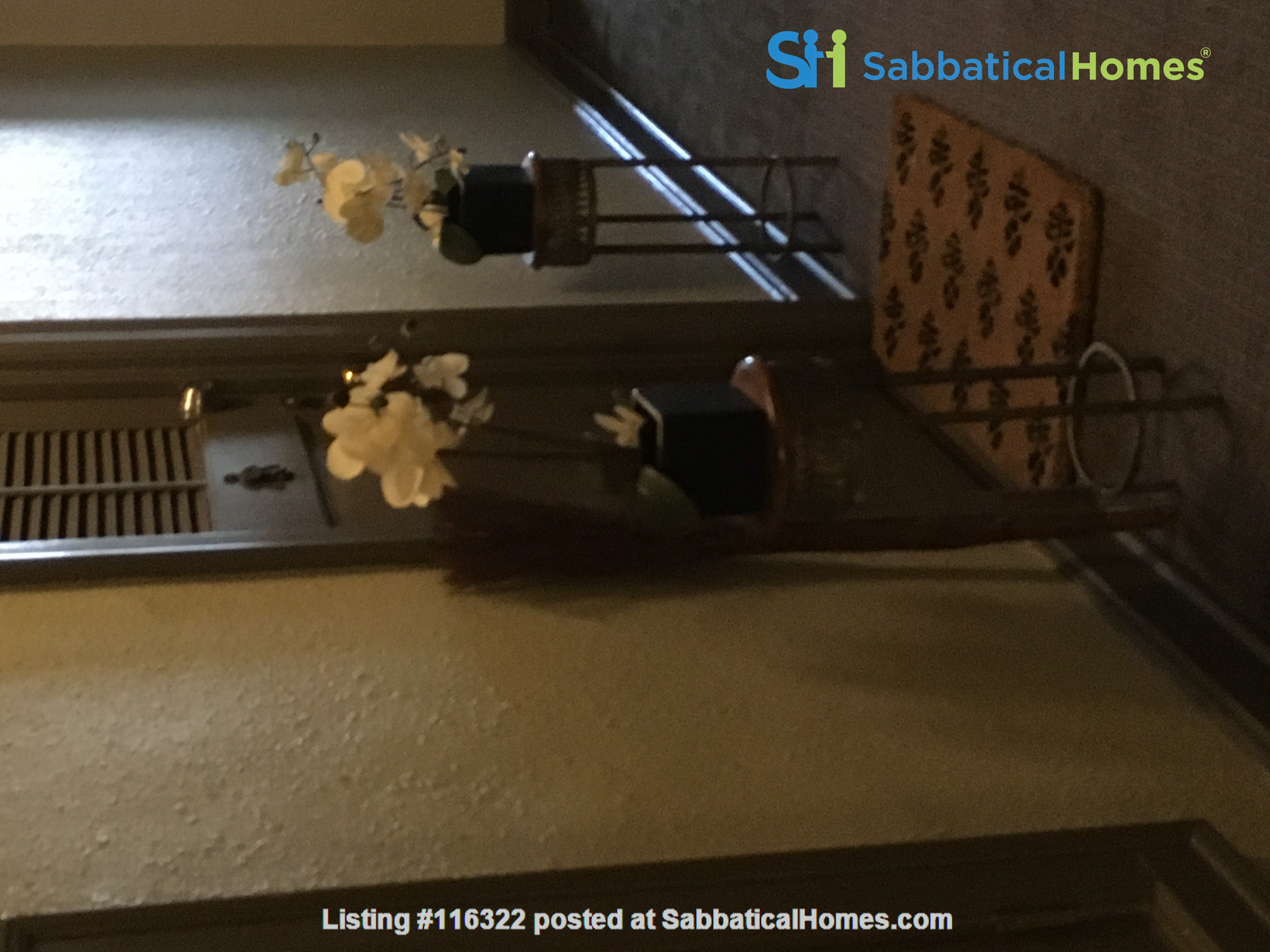Sublet our small apartment, includes utilities, wifi, possible reserved outdoor parking. Home Rental in Kansas City, Missouri, United States 8