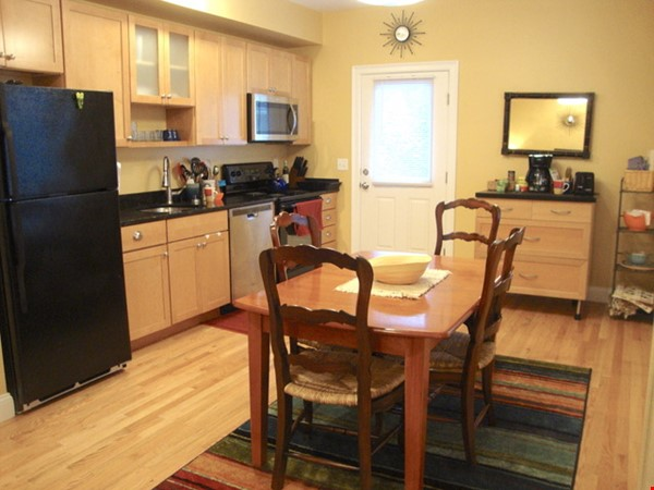 Turn-key, fully furnished 1 bedroom w/large office, includes ALL utilities Home Rental in Somerville 6 - thumbnail