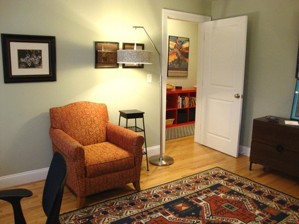 Turn-key, fully furnished 1 bedroom w/large office, includes ALL utilities Home Rental in Somerville 2 - thumbnail