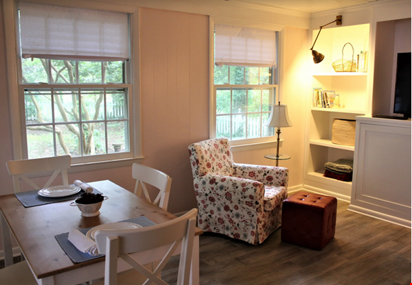 Secluded cottage  1 mile from UNC campus  dog  friendly Home Rental in Chapel Hill 6 - thumbnail
