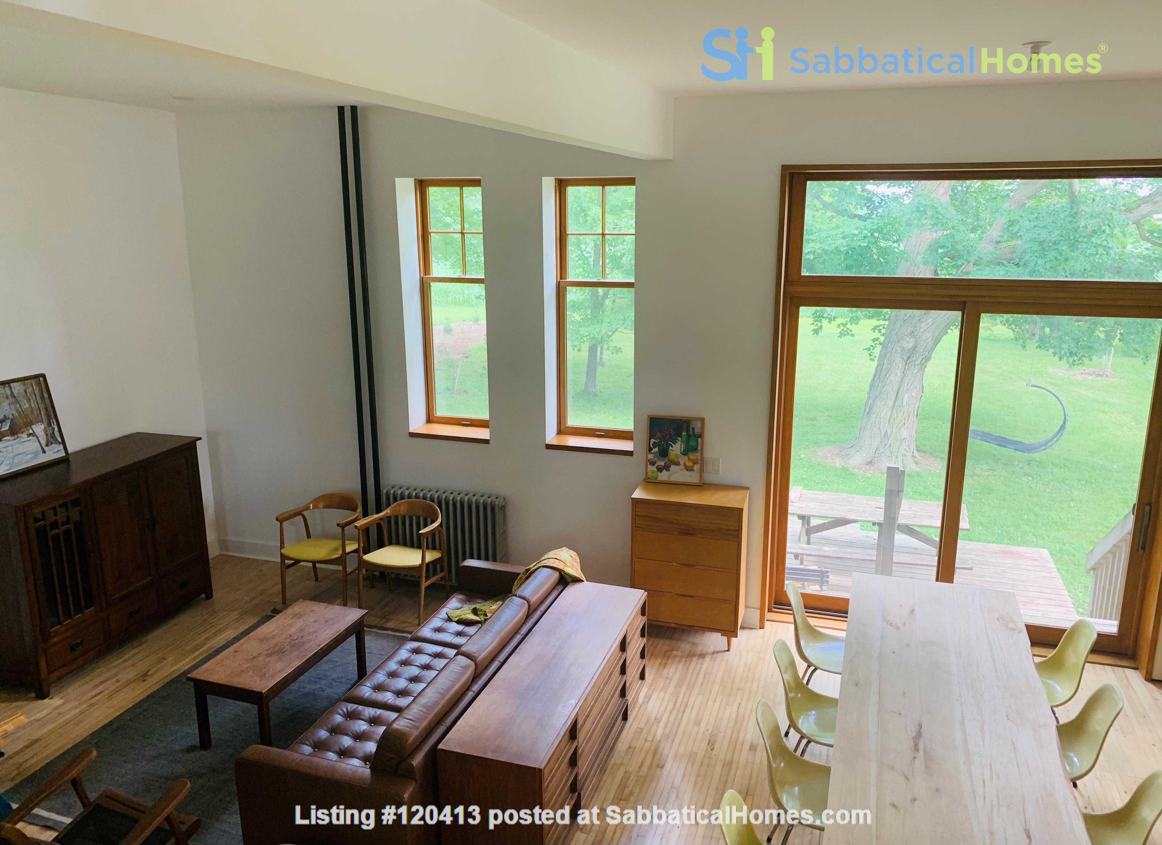Spectacular 1906 schoolhouse; 35 minutes to London, 20 to Stratford Home Rental in Embro 4
