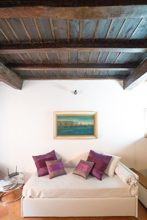 A lovely apartment located in the historic center of Rome Home Rental in Rome 2 - thumbnail