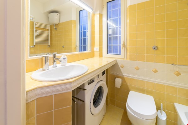 A lovely apartment located in the historic center of Rome Home Rental in Rome 6 - thumbnail