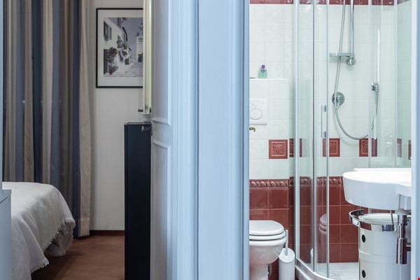 A lovely apartment located in the historic center of Rome Home Rental in Rome 7 - thumbnail