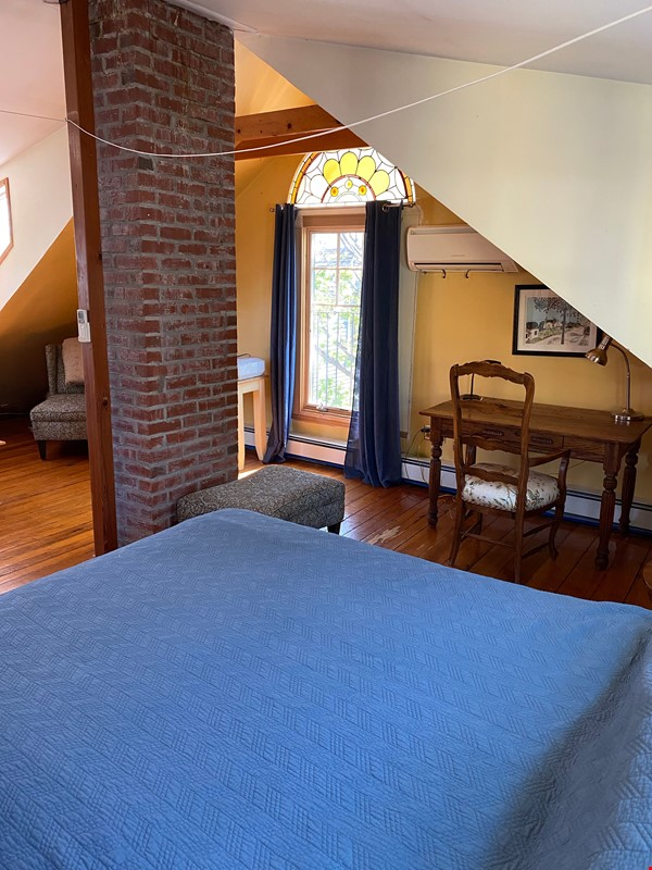 Two bedroom duplex, Harvard, Charles River. Shared private Garden Home Rental in Cambridge 2 - thumbnail