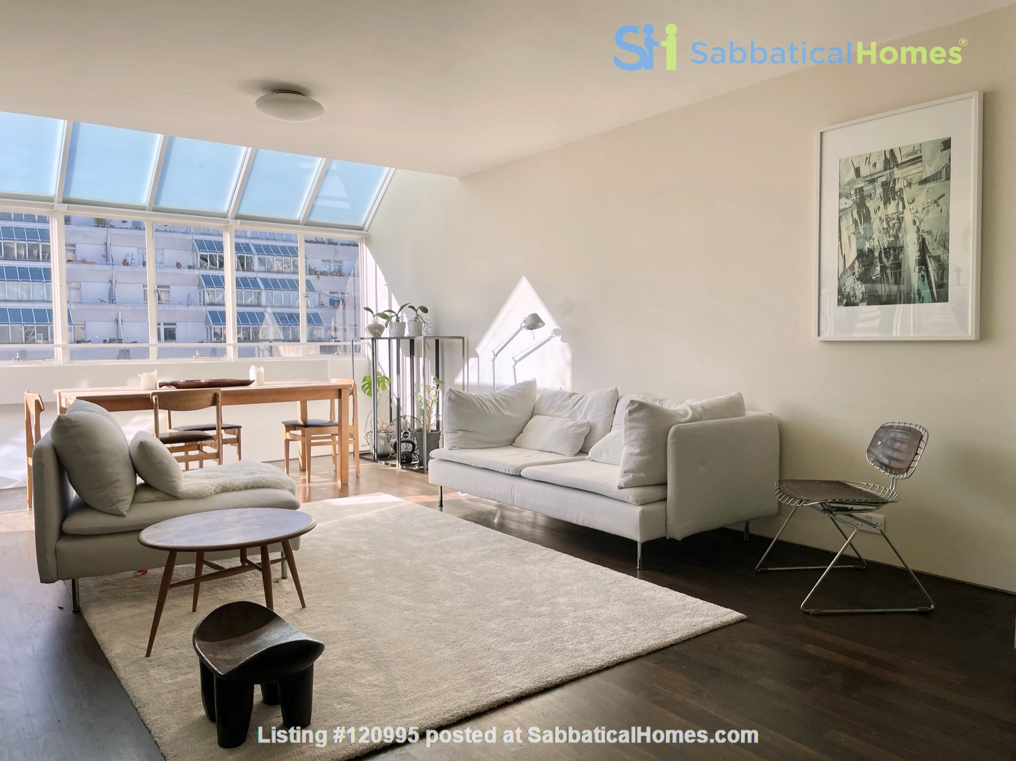 Light filled Bloomsbury Apartment Home Rental in Greater London, England, United Kingdom 3