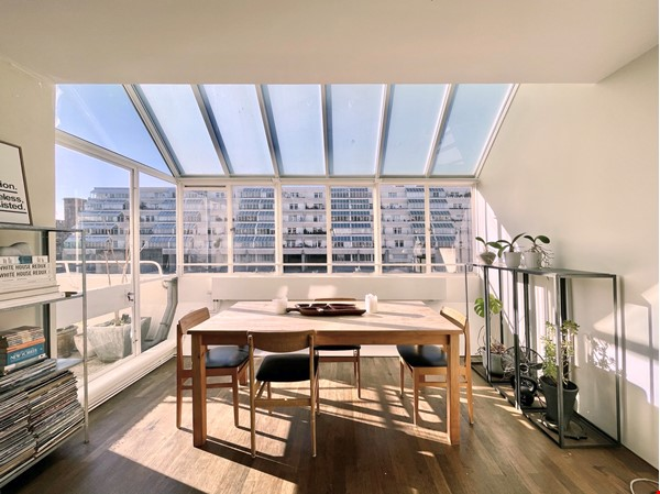 Light filled Bloomsbury Apartment Home Rental in Bloomsbury 1 - thumbnail