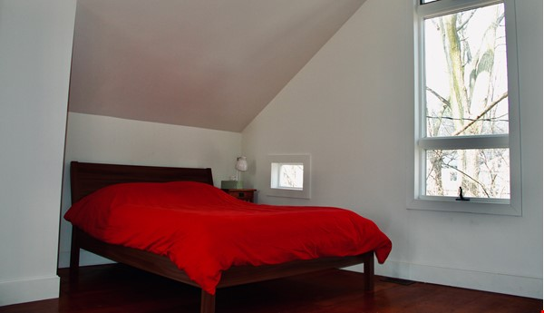 Charming Carriage House in Upper Water Hill Home Rental in Ann Arbor 5 - thumbnail