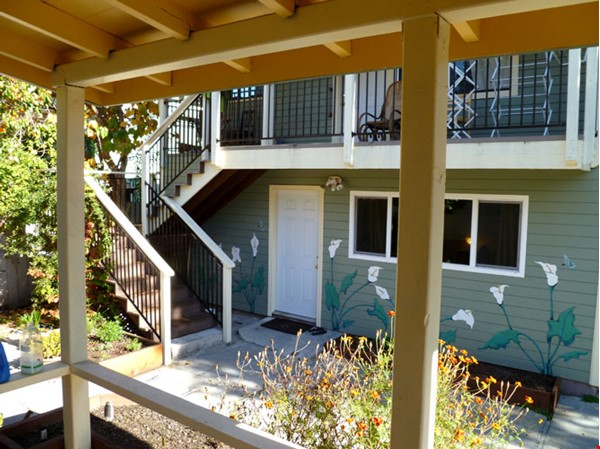 U123 Convenient, Lovely 3Bed 1Ba Flat near Ashby BART Home Rental in Berkeley 1 - thumbnail