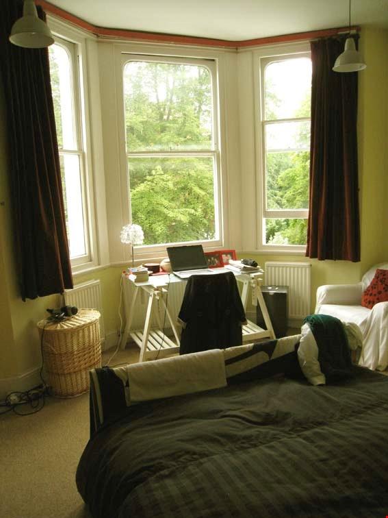 Belsize Park London outstanding  3-bed flat for Long Let Home Rental in London 8 - thumbnail