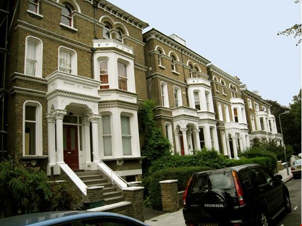 Belsize Park London outstanding  3-bed flat for Long Let Home Rental in London 2 - thumbnail