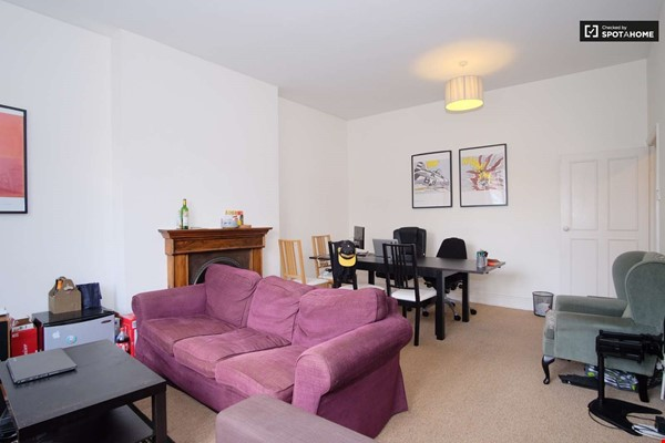 Belsize Park London outstanding  3-bed flat for Long Let Home Rental in London 3 - thumbnail