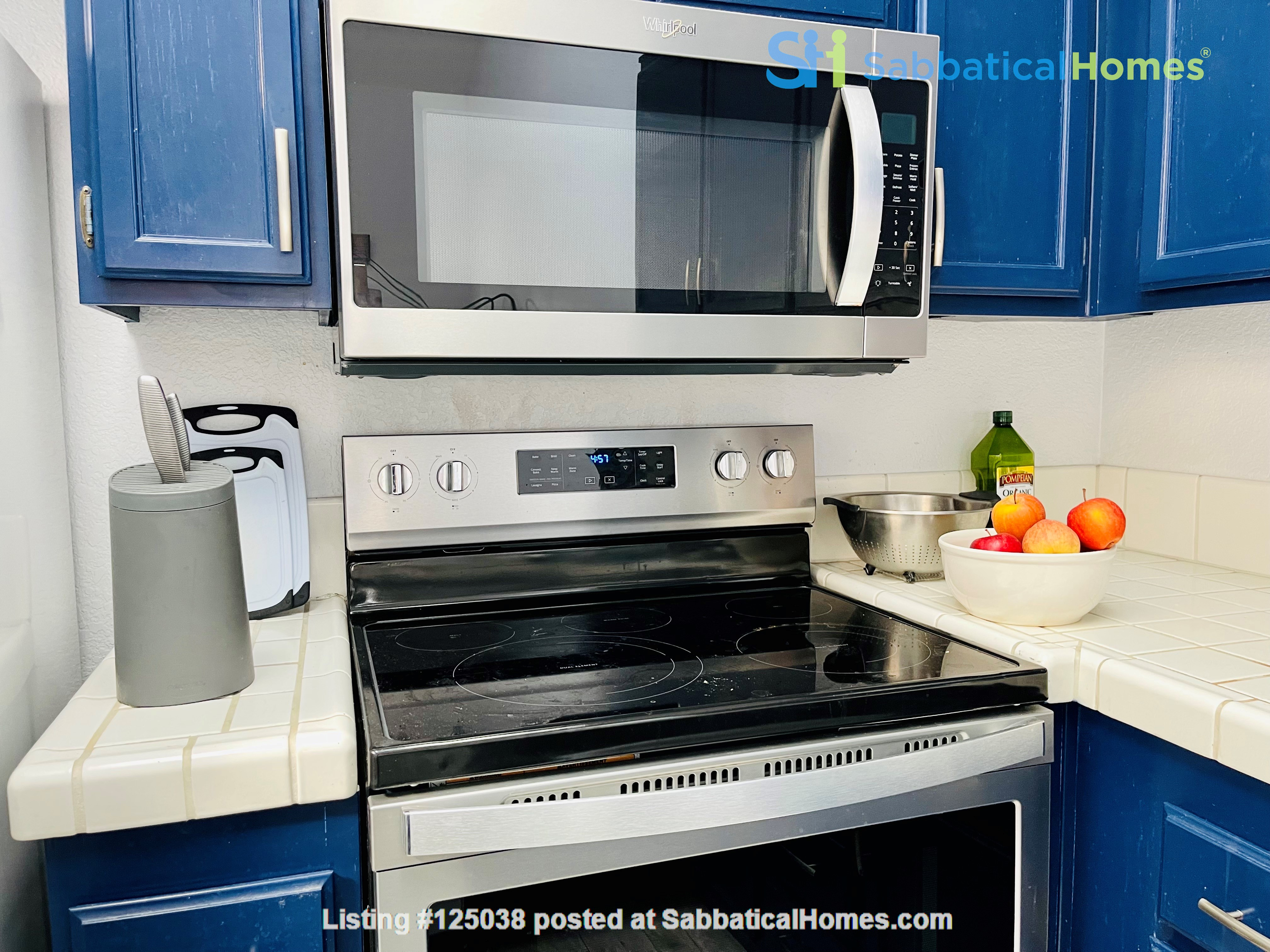 Spacious, furnished townhouse ideal for UCSD, Scripps, Salk, Torrey Pines! Home Rental in San Diego 4