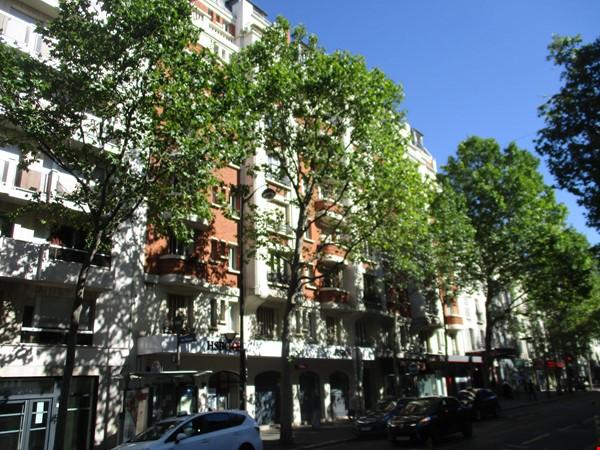 Charming apartment in northwest Paris Home Rental in Paris 3 - thumbnail