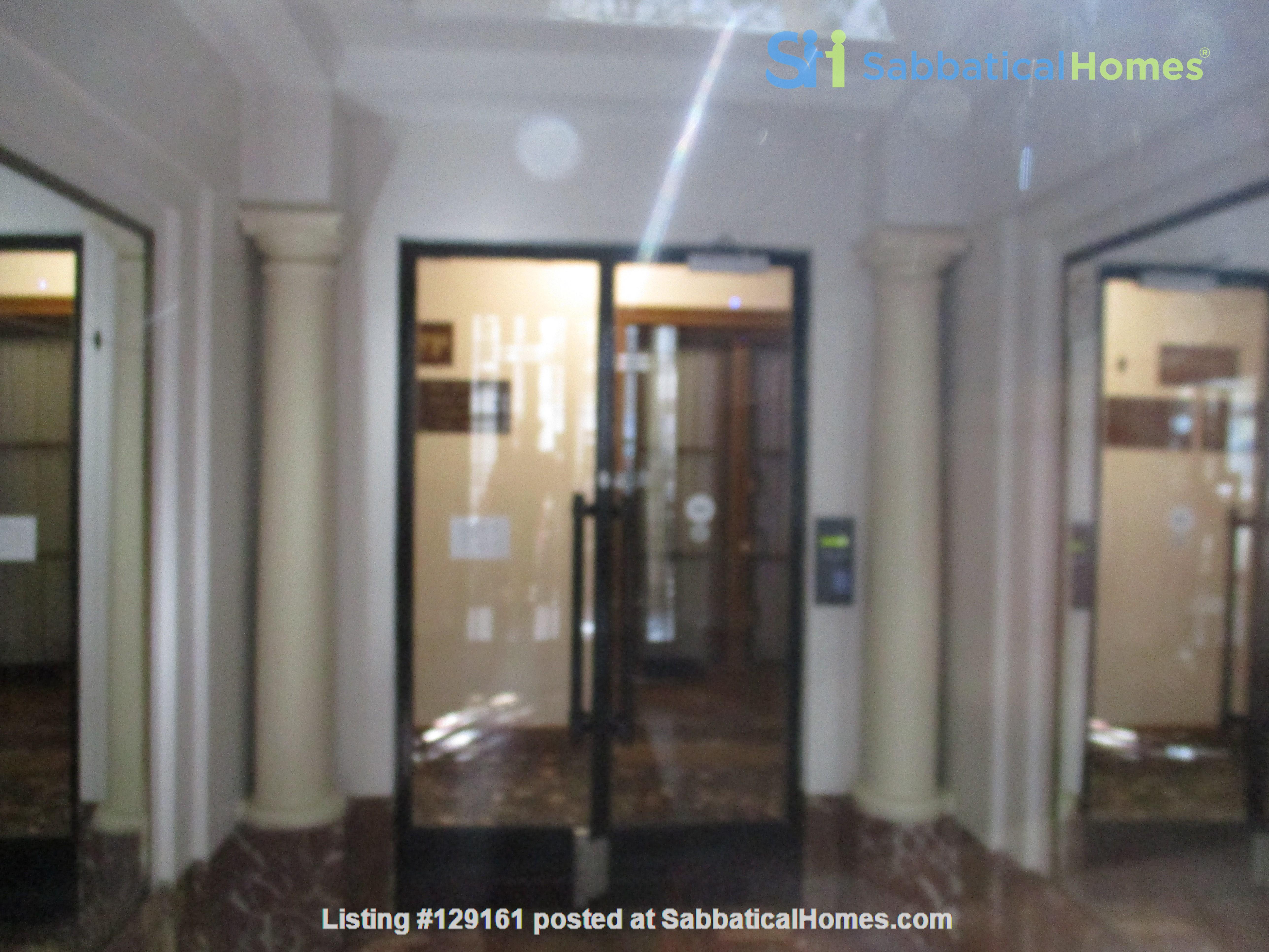 Charming apartment in northwest Paris Home Rental in Paris, Île-de-France, France 4