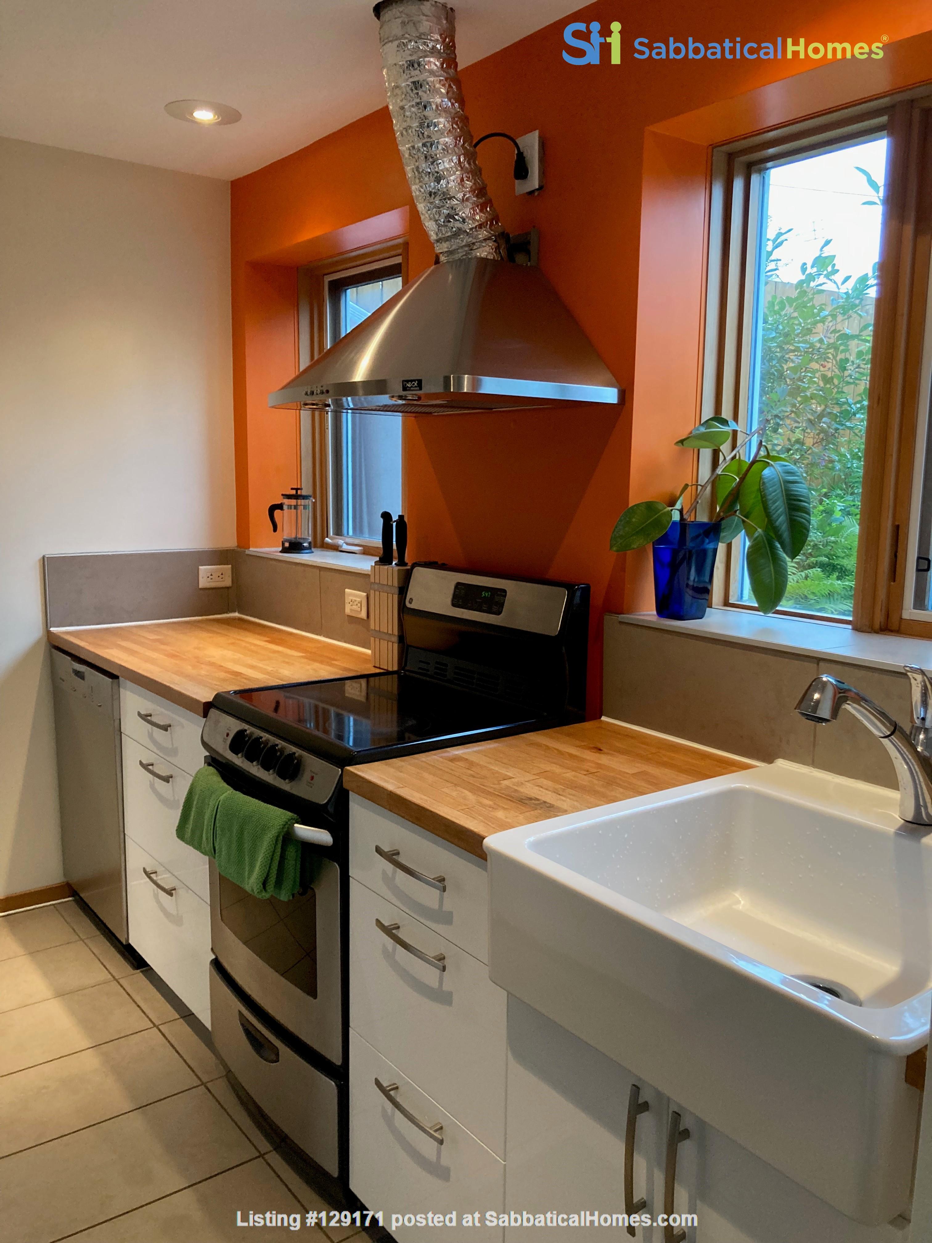 Garden Suite in Architectural Gem in Old Strathcona Home Rental in Edmonton 5