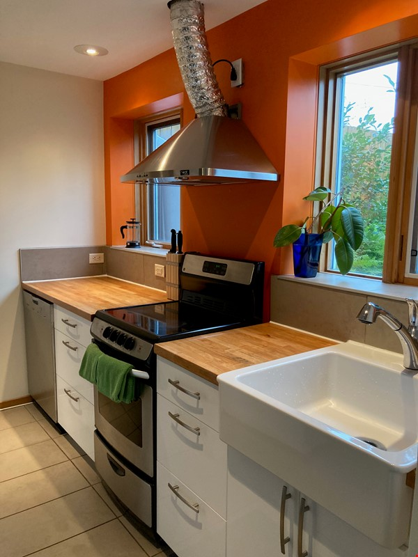 Garden Suite in Architectural Gem in Old Strathcona Home Rental in Edmonton 5 - thumbnail
