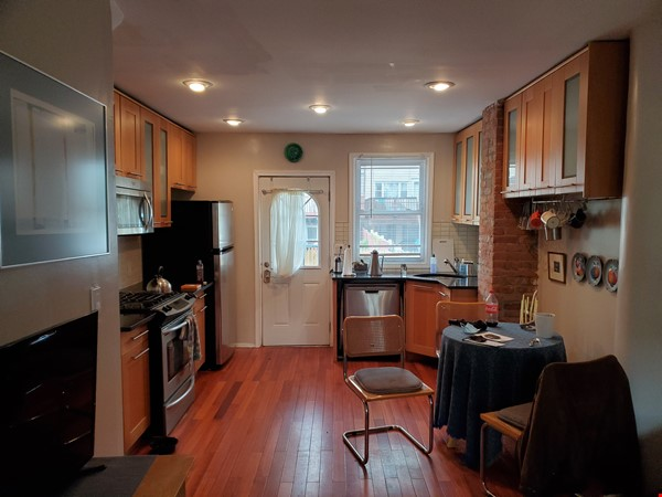 Private Victorian home close to everything Home Rental in Jersey City 7 - thumbnail