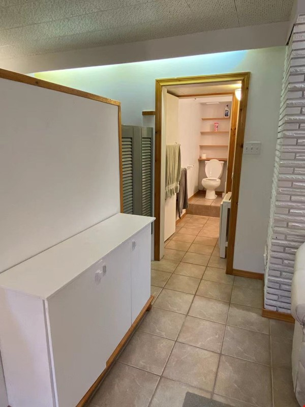 Walkout basement suite on UoA campus for short term daily rental ($50/day) Home Rental in Edmonton 4 - thumbnail