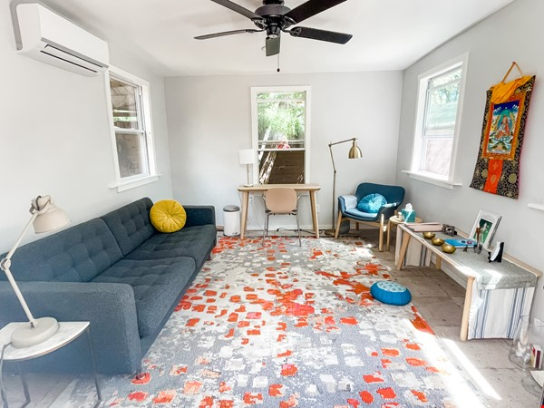 Quiet  S Austin 3bd/2ba + home office, walk to St Eds, 3 miles to UT Home Rental in Austin 9 - thumbnail