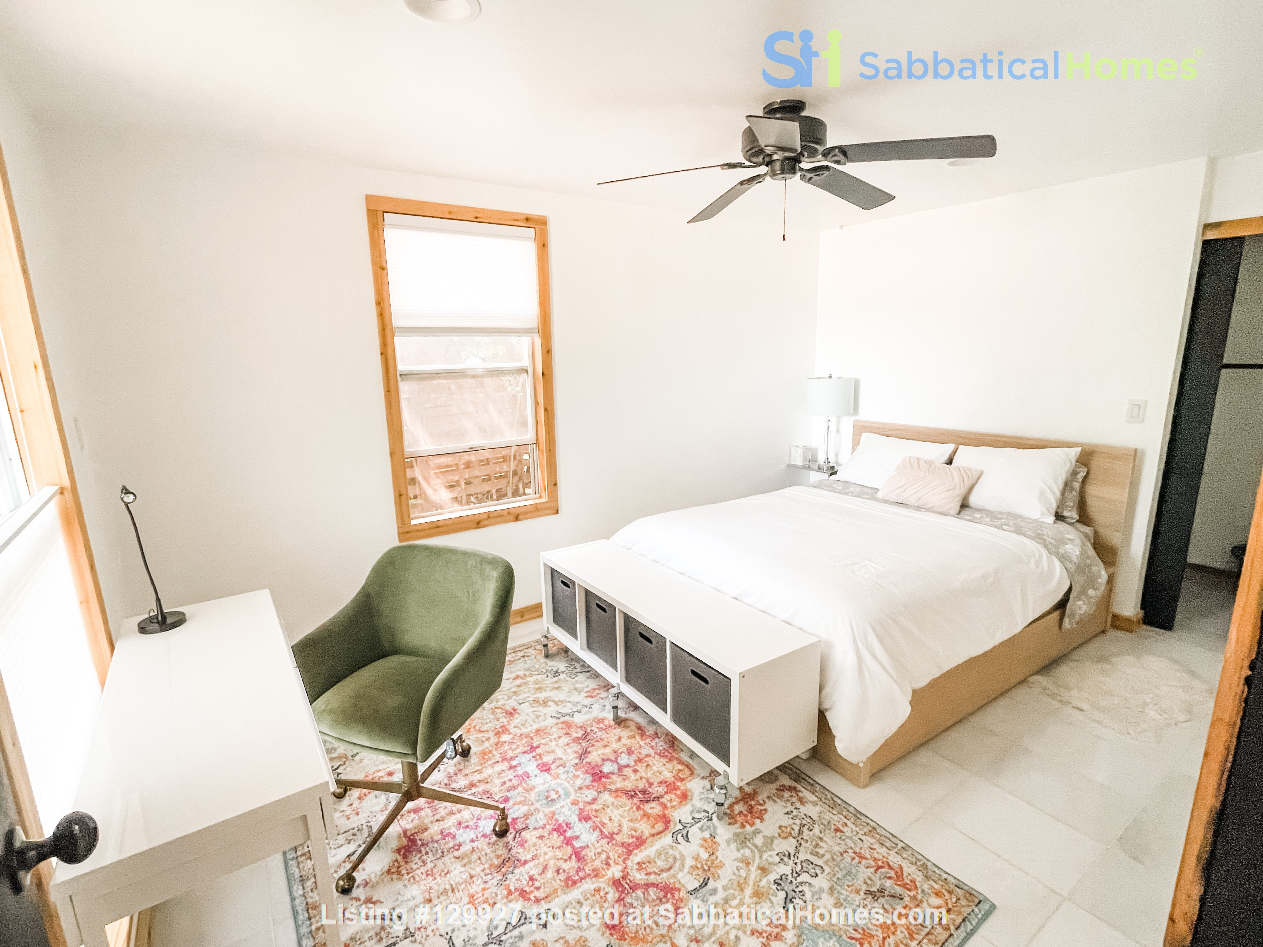 Quiet  S Austin 3bd/2ba + home office, walk to St Eds, 3 miles to UT Home Rental in Austin, Texas, United States 3