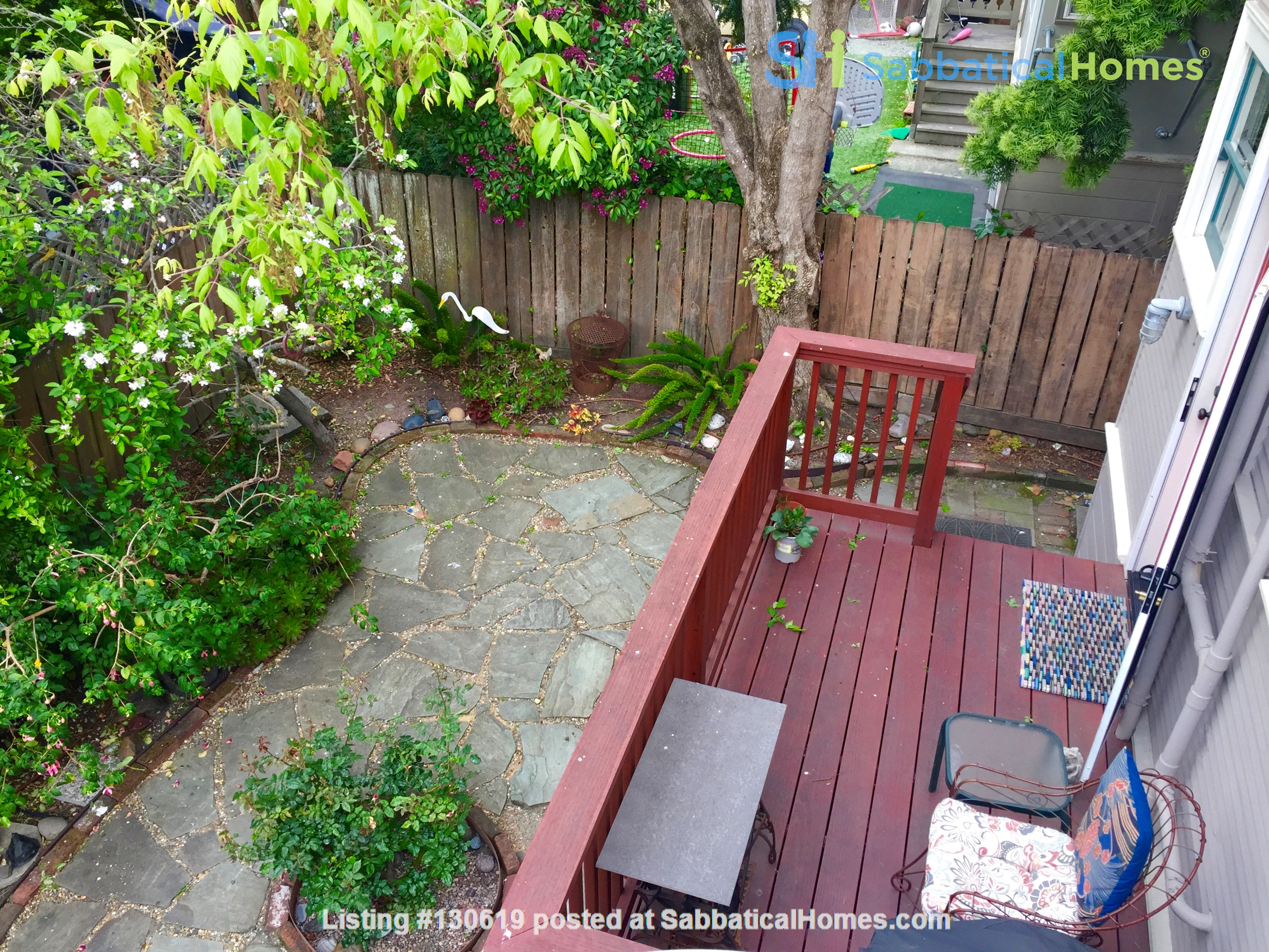Sunny N. Berkeley 1 bed furnished apartment, short walk to CAL & BART Home Rental in Berkeley 5